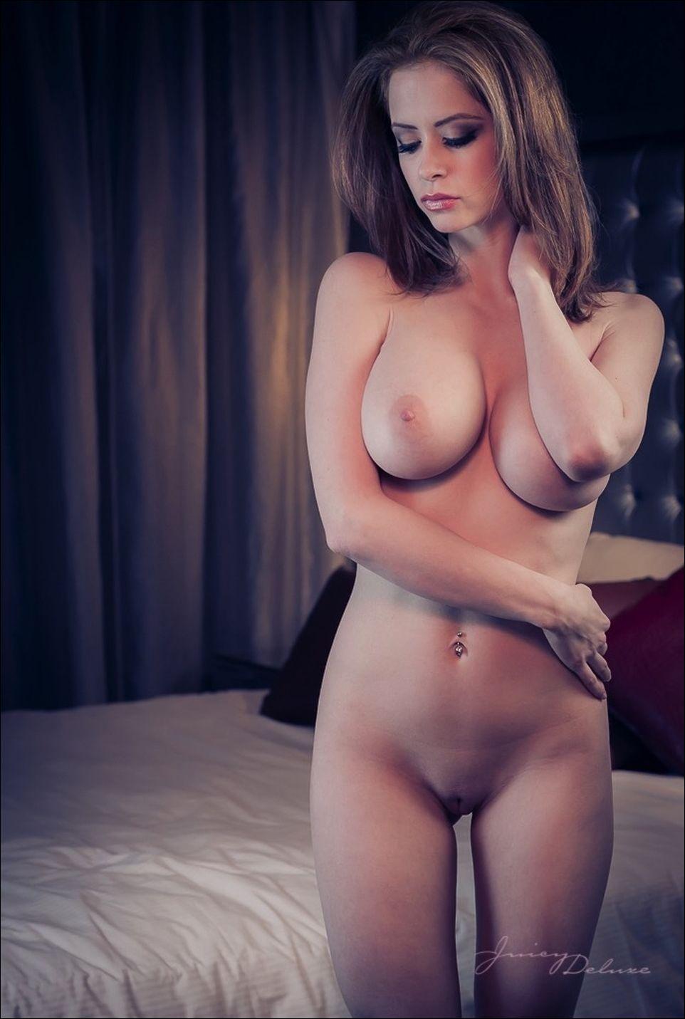 Самые красивые девушки мира с самой красивой грудью 26 фотография